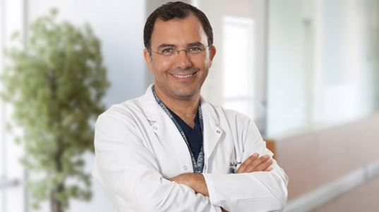 ДОКТОР ОЗГУР ДЕВРИМ КЫЛЫЧ | Главный врач, Заместитель Директора по медицине — лечение в ведущей клинике Турции