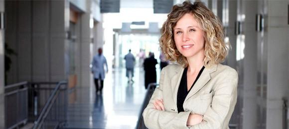 Аслы Акьяваш  | Директор международной службы — лечение в ведущей клинике Турции