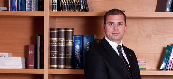 Бурак Узкан  | Директор по информационным системам — лечение в ведущей клинике Турции