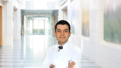Айхан Эрдемир — квалифицированная помощь в медицинском центре Anadolu