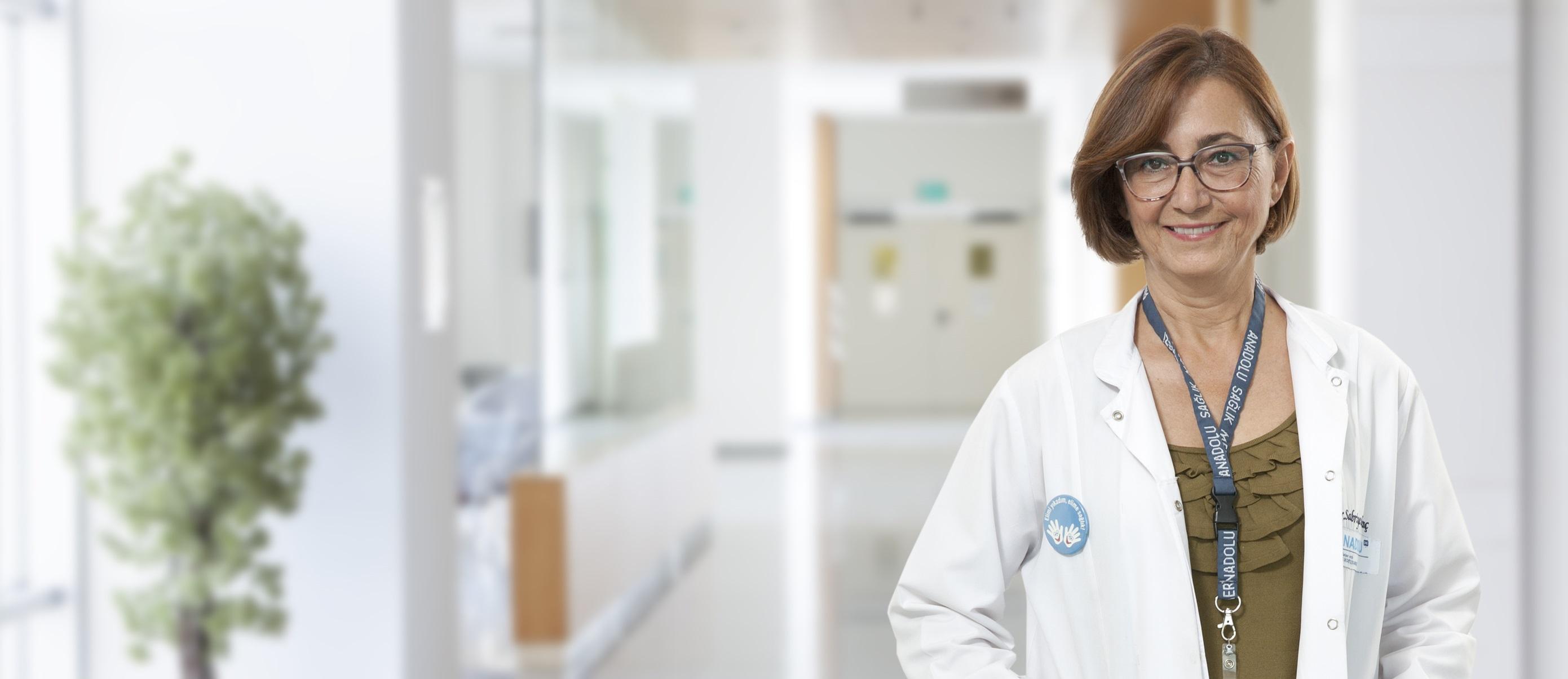 Сабрие Гювенч — квалифицированная помощь в медицинском центре Anadolu