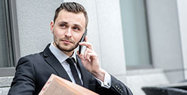 Проверка здоровья делового мужчины