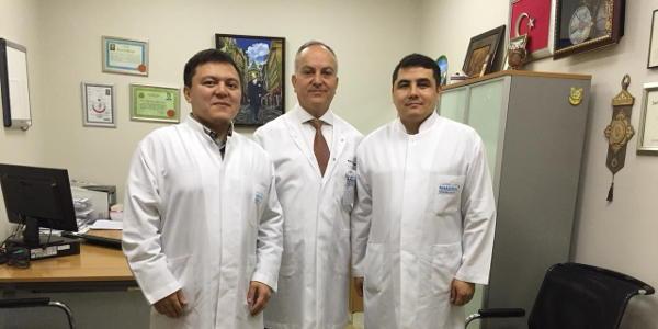 Врачи «Анадолу» поделились опытом с коллегами из Казахстана — лечение в ведущей клинике Турции