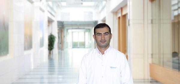 Эльнур Аллахвердиев — квалифицированная помощь в медицинском центре Anadolu